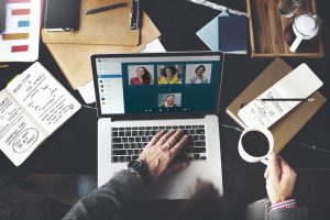 Skype(スカイプ)での会議は何人まで可能?人数上限はある?