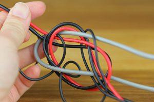ヘッドセットのコードのねじれ解消方法
