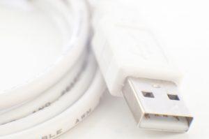 USB接続とピンジャック接続のヘッドセットの違い